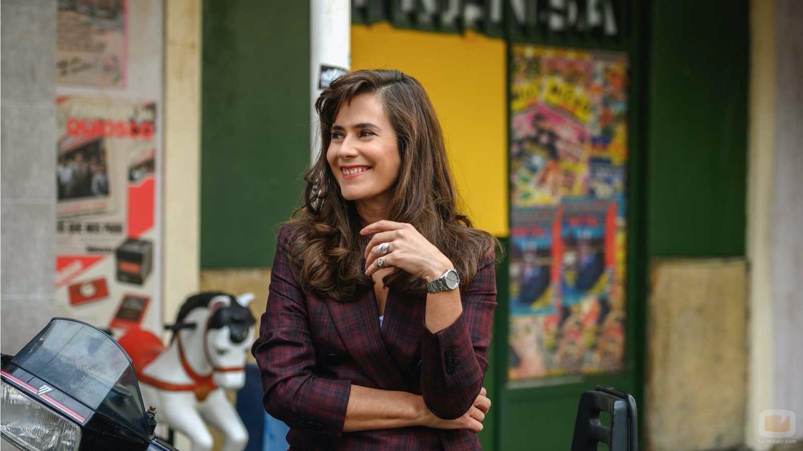 Anna Allen como Marta Altamira en la temporada 21 de 'Cuéntame'