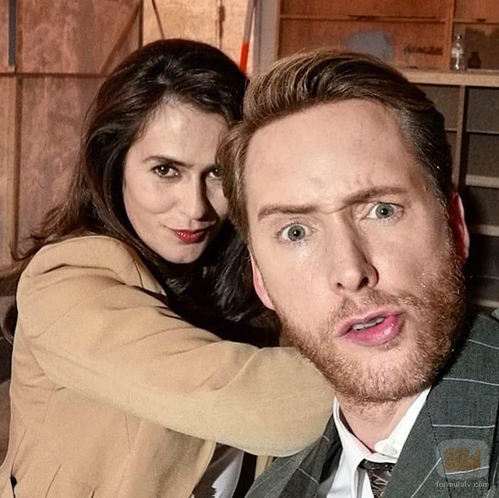 Anna Allen y Pablo Rivero en la temporada 21 de 'Cuéntame'