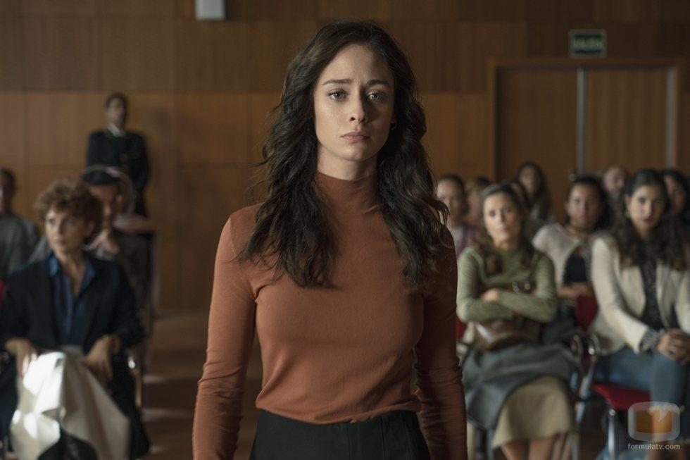 Elena Rivera en el juzgado en 'Alba'