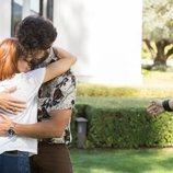 Cabano abraza a Paula en 'FoQ: El reencuentro'