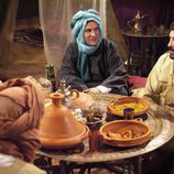 Paco Tous y un grupo de musulmanes en 'Los hombres de Paco'