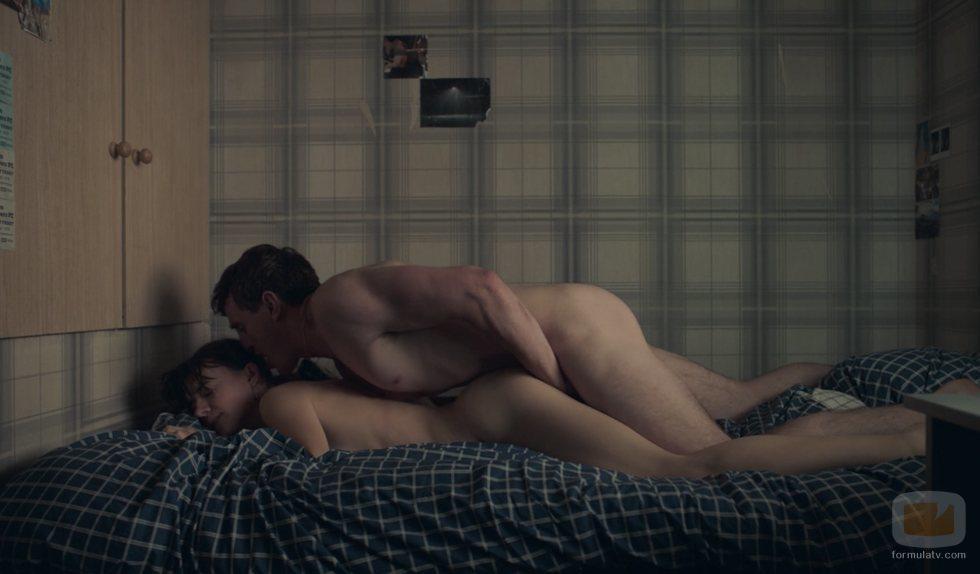 Connell y Marianne, en la cama, en 'Normal People'