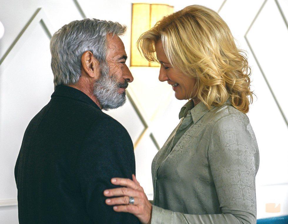 Imanol Arias y Ana Duato en la temporada 21 de 'Cuéntame'