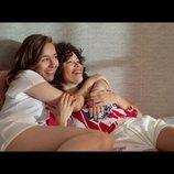 Luisita y Amelia, en la cama en la tercera temporada de '#Luimelia'