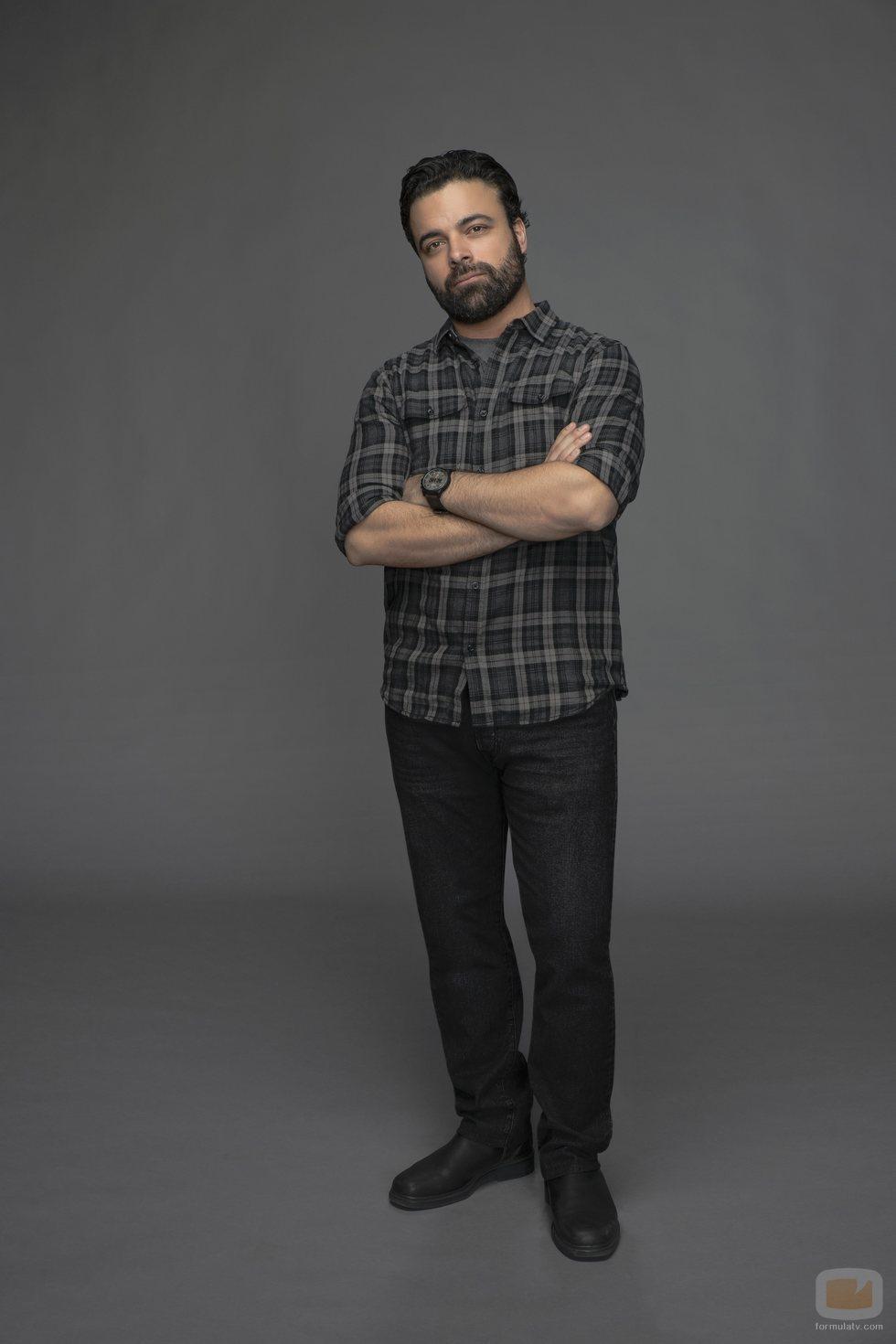 James Martinez como Armando en 'Con amor, Víctor'