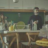Irene Arcos y Leonardo Sbaraglia en 'Todos mienten'
