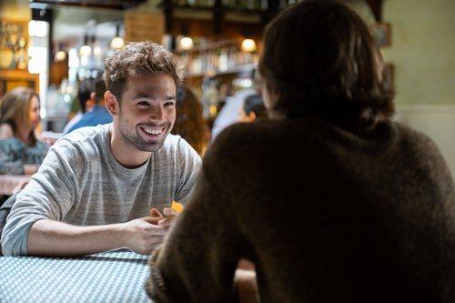 Carlos Cuevas en el 2x01 de 'Merlí: Sapere aude'