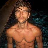 Aitor Ferrón posa en bañador