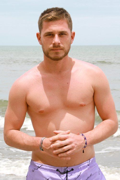 Tom Brusse luce cuerpo posando en bañador en 'Supervivientes 2021'