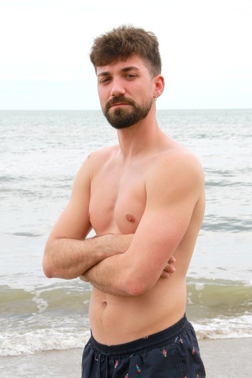 Alejandro Albalá posa en bañador en 'Supervivientes 2021'