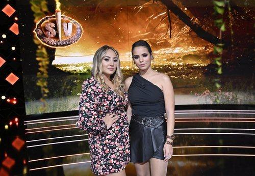 Rocío Flores y Gloria Camila en el plató de 'Supervivientes: Conexión Honduras'