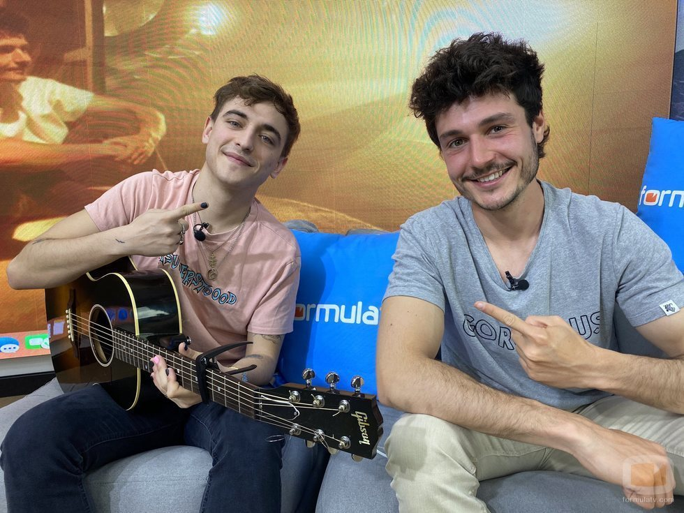 Manel Navarro y Miki Núñez visitan FormulaTV