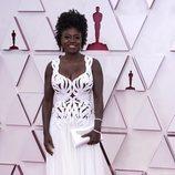 Viola Davis posa en la Alfombra Roja de los Oscar 2021