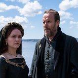 Olivia Cooke y Rhys Ifans son Alicent y Otto Hightower en 'La casa del dragón'