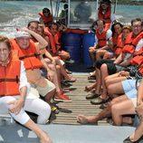 Los consursantes de Supervivientes 2009 con chaleco salvavidas