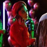 Nadia llama por teléfono en 'Élite: Historias breves'