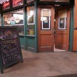 Entrada de Central Perk, la cafetería de 'Friends: The Reunion'