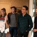 Michael Cimino, George Sear, Bebe Wood y Anthony Turpel en la segunda temporada de 'Con amor, Victor'