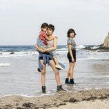 Cosette Silguero, Adriana Ugarte y María León en el rodaje de 'Heridas'