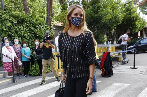Alba Carrillo, en el tanatorio por la muerte de Mila Ximénez