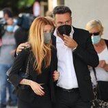 Alejandra Rubio y Kike Calleja, en el tanatorio por la muerte de Mila Ximénez