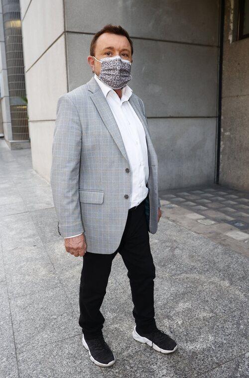 José Manuel Parada, en el tanatorio por la muerte de Mila Ximénez