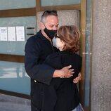Aurelio Manzano, en el tanatorio por la muerte de Mila Ximénez