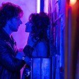 Sarah Shahi y Adam Demos en 'Sexo/Vida'