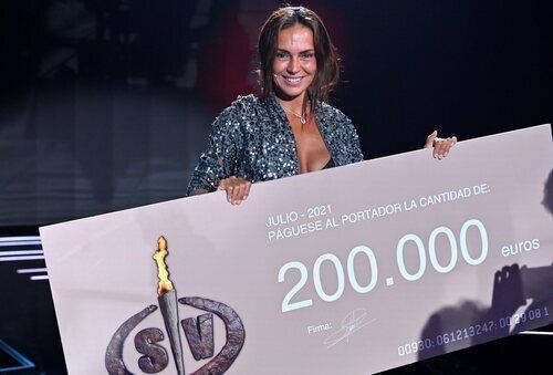 Olga Moreno se alza como ganadora de 'Supervivientes 2021'