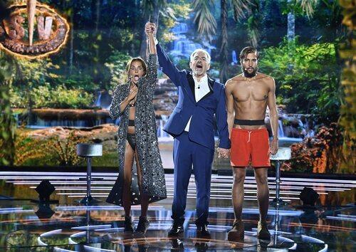 Olga Moreno, Carlos Sobera y Gianmarco Onestini en la final de 'Supervivientes 2021'