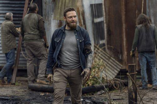 Ross Marquand en la temporada 11 de 'The Walking Dead'