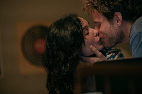 Nadia de Santiago y Álvaro Cervantes protagonizan 'El tiempo que te doy'