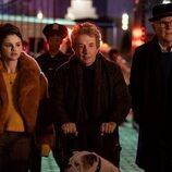Mabel, Oliver y Charles en 'Solo asesinatos en el edificio'