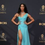 MJ Rodriguez, en la alfombra roja de los Emmy 2021