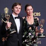 Evan Peters y Julianne Nicholson, ganadores del Premio Emmy 2021 por 'Mare of Easttown'