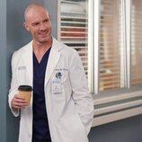 Richard Flood en la decimoctava temporada de 'Anatomía de Grey'