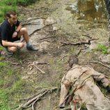 Héctor de la Vega se encuentra un cadáver en la laguna
