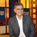 Juan Ramón Lucas, sonriente, es el nuevo presentador de ''El ojo público del ciudadano'