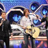 Pablo Motos, Billy Ray Cyrus y Miley Cirus cantando