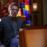 Hugh Laurie en la iglesia
