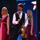 Alexander Rybak, de Noruega, canta 'Fairytale' en la Semifinal de Eurovision 2009