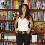 Elena Furiase en la biblioteca de 'El internado'
