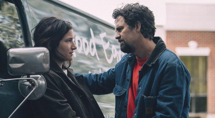 Kathryn Hahn y Mark Ruffalo en 'La innegable verdad'
