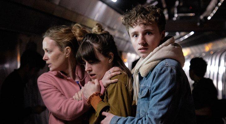 Natasha Little, Daisy Edgar-Jones et Ty Tennant dans 'War of the Worlds'