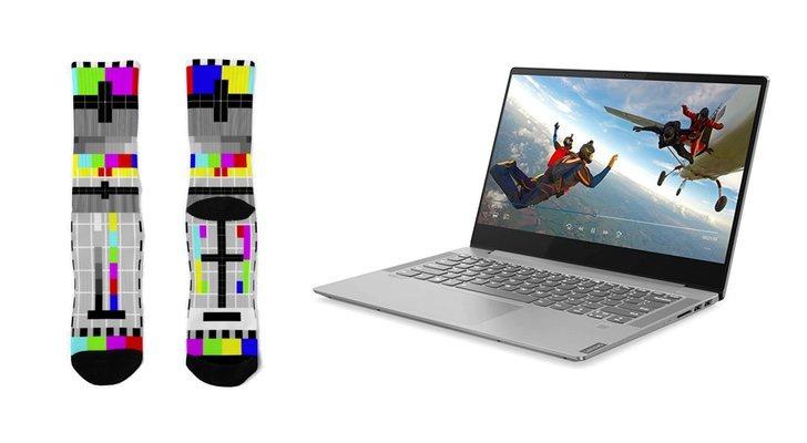 Chaussettes et ordinateur portable