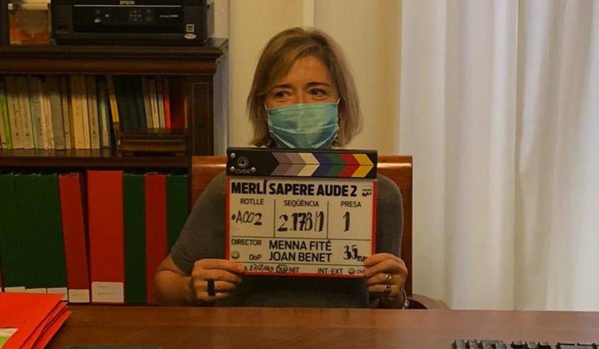 María Pujalte tient le clap de 'Merlí: Sapere Aude 2'