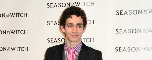 Robert Sheehan no estará en la tercera temporada de Misfits