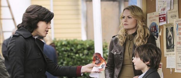 Regina, Emma y Henry son el trío protagonista de 'Once Upon a Time'.