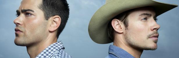 Josh Henderson y Jesse Metcalfe en 'Dallas' de TNT