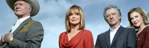 Larry Hagman, Patrick Duffy, Linda Gray y Brenda Strong en 'Dallas' de TNT